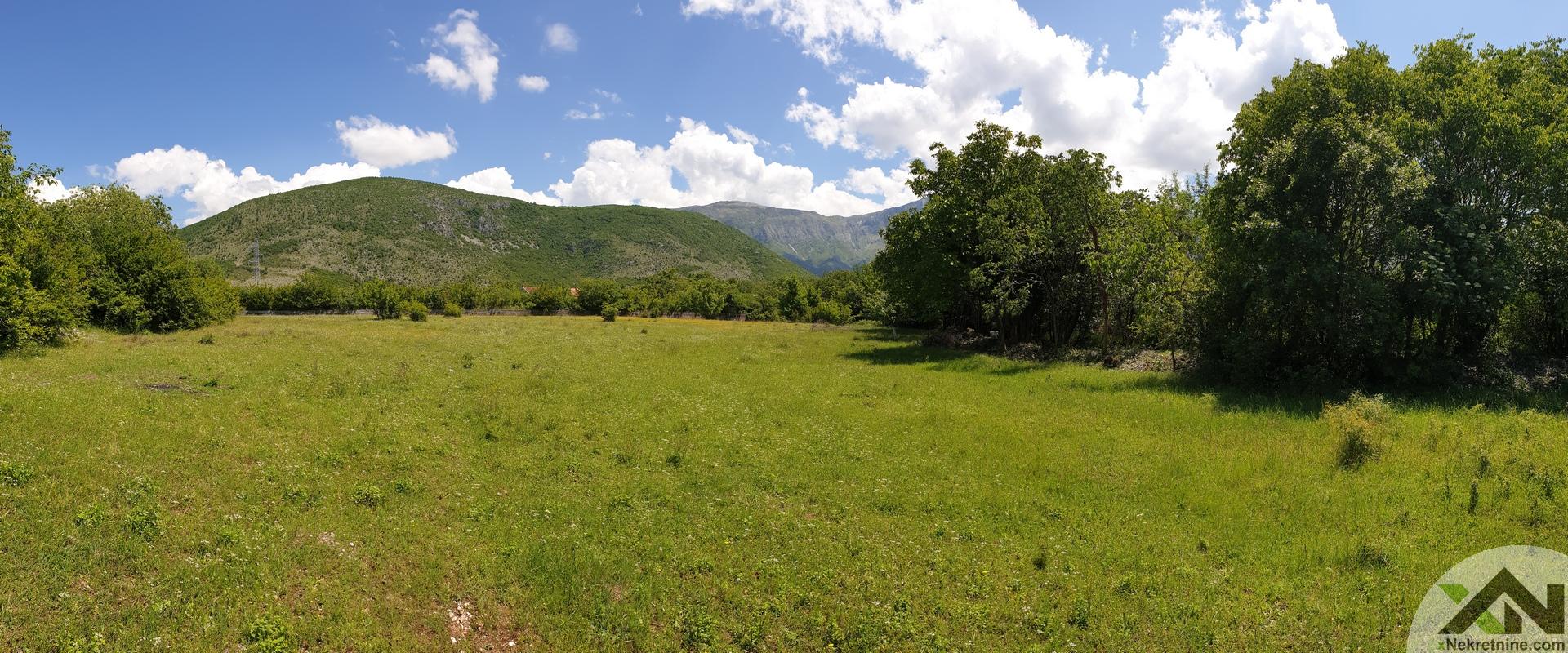 Parcela 3750m2 - Livač (pored rijeke)