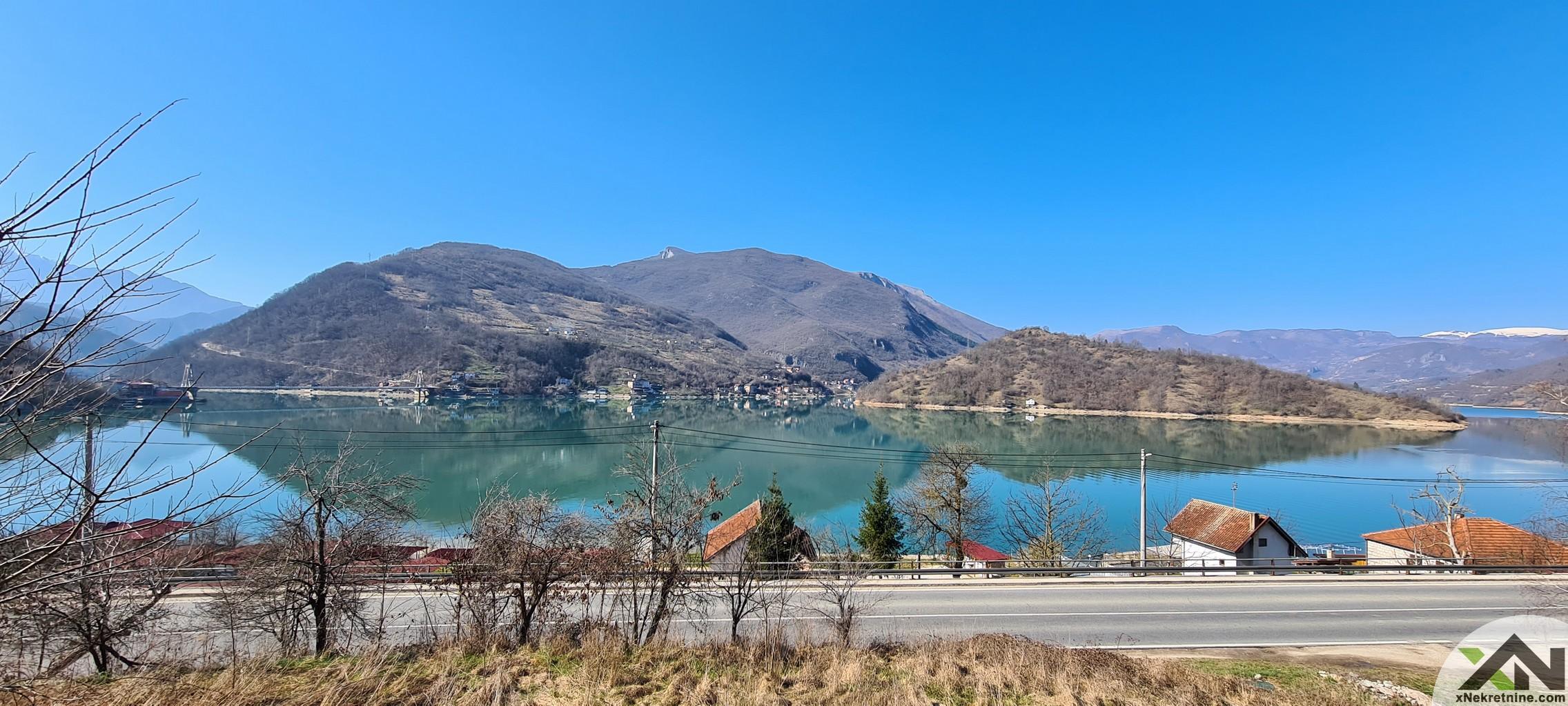 Kuća sa predivnim pogledom na jezero